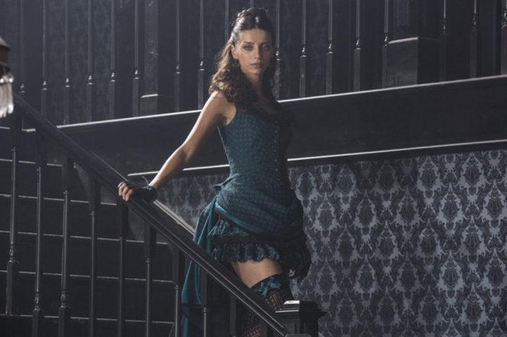 Angela Sarafyan en 'Westworld'