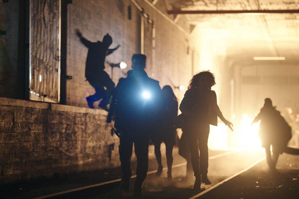La persecución con el lanzallamas en el metro en 'Anarchy'