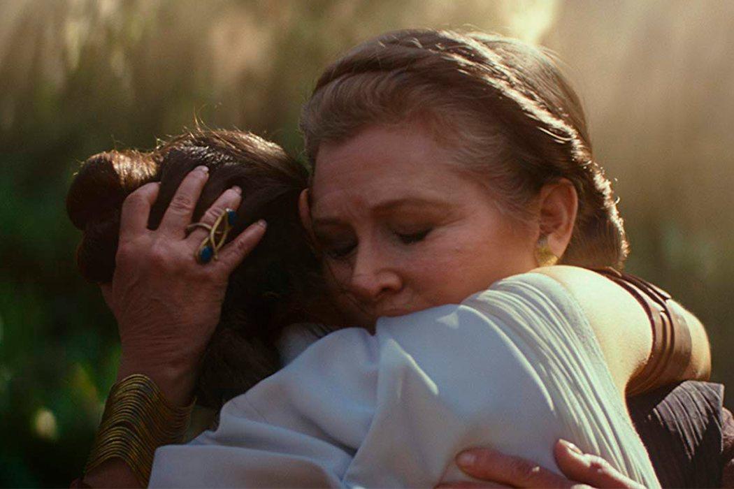 Rey y Leia se funden en un abrazo
