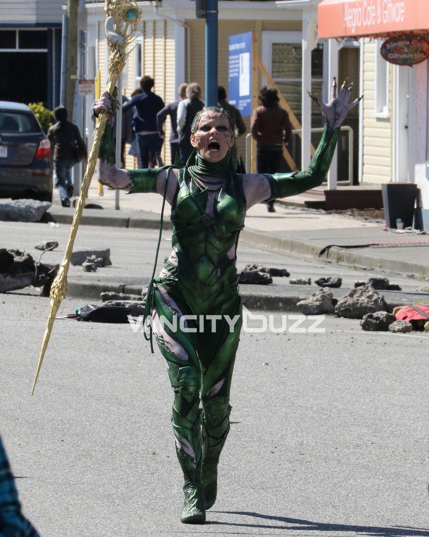 Elizabeth Banks como Rita Repulsa