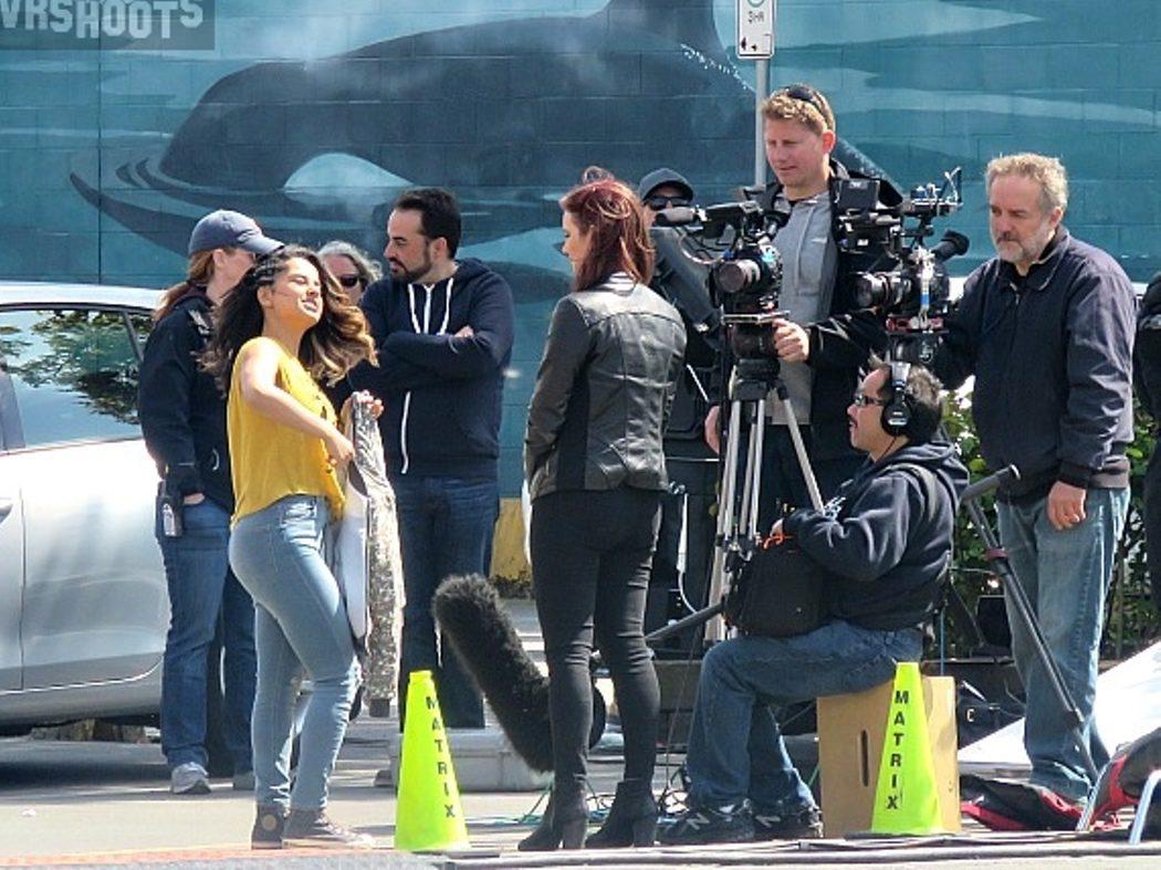Los superhéroes de Angel Grove en el set de rodaje