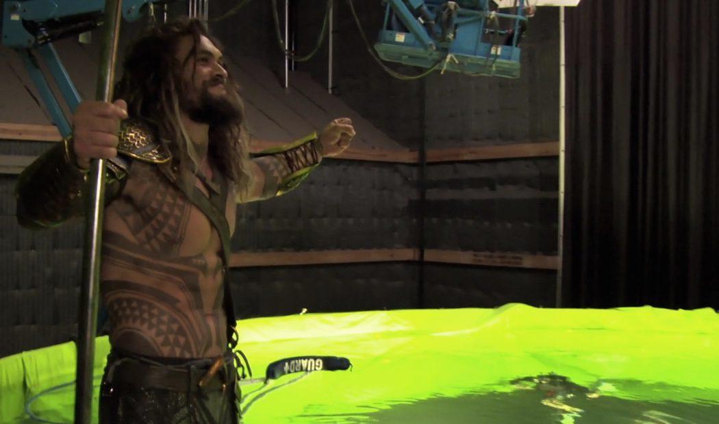 Aquaman espera antes de sumergirse para el rodaje